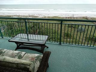 BEST OCEANFRONT CONDO ON COCOA BEACH!, Cocoa Beach
