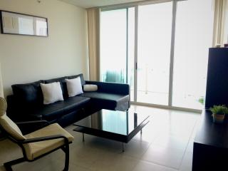 Beautiful and cozy apartment in Sunny Isles, Sunny Isles Beach