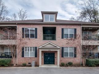 Condo 2 mi from Downtown Nashville