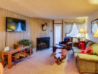 Cozy dog-friendly condo with ski-in/ski-out access & shared hot tub, sauna, Brian Head