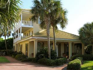 Palmetto Palms on 1st Beach Street - Walk to Beach, Destin