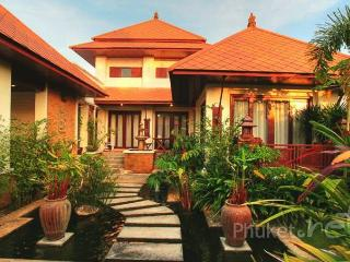 Spacious 4-Bed Pool Villa in Kamala