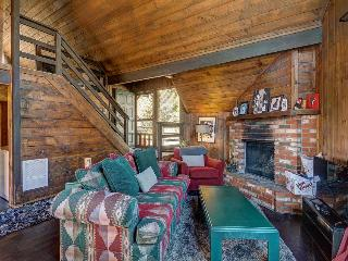 Dog-friendly A-frame on a half-acre, enjoy direct access to hiking trails!, Idyllwild