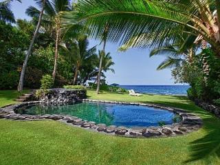 Kona Beach Bungalows- Perfect for Reunions/Retreat, Kailua-Kona