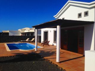 """""""Jardin de los Cristales"""" Villa piscina privada, Playa Blanca"""
