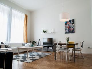 Sunny apARTment in the heart of Budapest, Budapeste