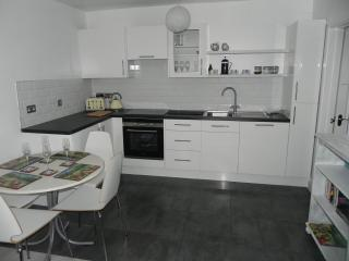 Newly refurbished two bedroom accommodation, Looe
