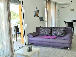 TH01629 Apartments Zora / Two bedroom A5, Rogoznica