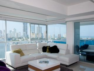 Luxury 3 Bedroom near Old City, Cartagena