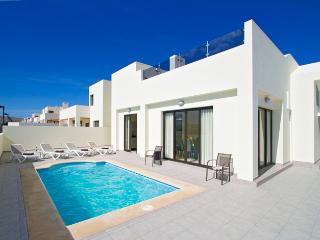 Casa Maelle, Holiday Villa with Private Pool, Playa Blanca