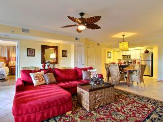 Wonderful Tybee Island Vacation Rental! Great Location, Close to Restaurants, Shops, Beach and an Ocean View!, Savannah