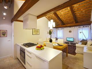 Sarpi 3 - convenient and newly restored in top location