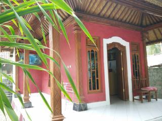 Nusa Garden Honeymoon Bungalow