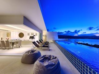 Gorgeous Villa with Infinity Pool & Panoramic View