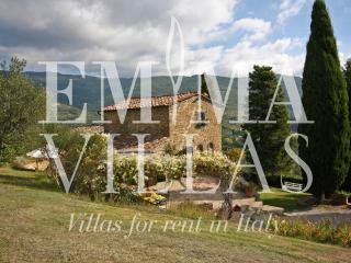 Private 5 Bedroom Tuscan Villa on the Hills, Cortona