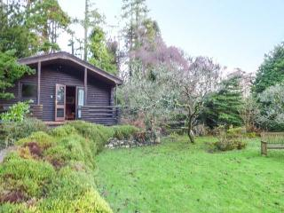 GRASMERE ground floor lodge, romantic retreat, in National Park in Greenodd Ref, Ulverston