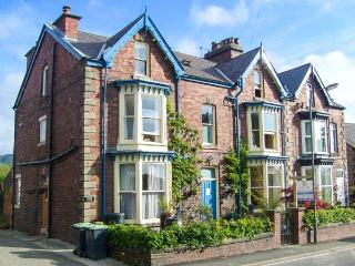 TALBOT HOUSE, pet-friendly, WiFi, off road parking, Castleton, Ref 931278