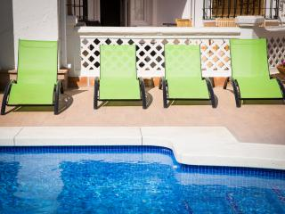 Villa 6 bedrooms in Fuengirola centre and 2nd line beach