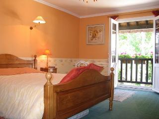 La Rivaudiere - La Chambre Jaune, Bavent