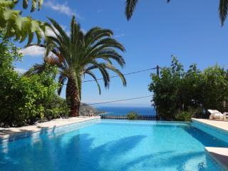 Villa Baïna 3*, 4pers 125m² calme, piscine, jardin, Menton