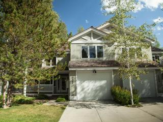 Fabulous Townhouse in Teton Pines Country Club, Wilson