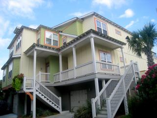 Luxurious Home, Pet Friendly, GOLF CART, Gameroom, Folly Beach
