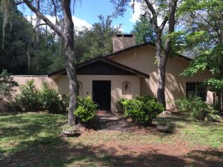 Shady oak custom home1 acre near I-75, Brooksville, Ridge Manor