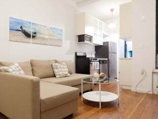 Newly renovated UES Duplex 2 bed & 2bath & Garden!
