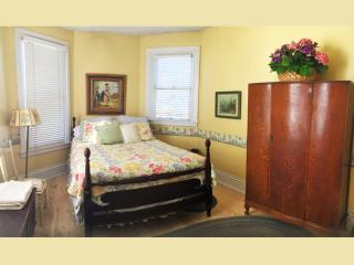 Ellerbeck Mansion Bed & Breakfast (Spring Room), Salt Lake City
