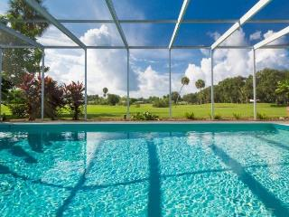 Casa Antigua - Sparkling 4 BR, Heated Pool, Minutes From Siesta Key [sleeps 8]