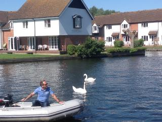 Prominent river side location in the centre of Wroxham.