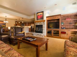 6104 Bear Lodge, Trappeurs, Steamboat Springs