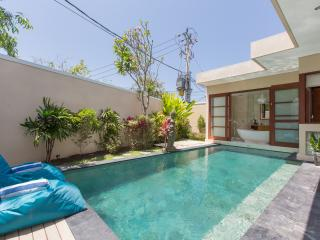 Legian Honey Moon Villa