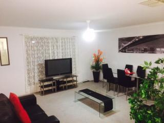 Modern Unit..... It has Everything!!!, Mildura