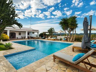 SUNSHINE VILLA, Ibiza