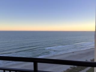 Welcome to Paradise!! Oceanfront Condo, Myrtle Beach