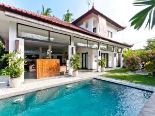 Nice 2BR villa in Seminyak, five minutes to beach
