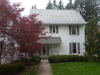 6 bedroom hershey house for rent 12 miles from Hershey Pa