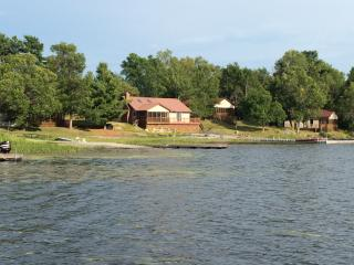 4 Beautiful Cottages to choose from to rent on LaCloche Lake, Massey