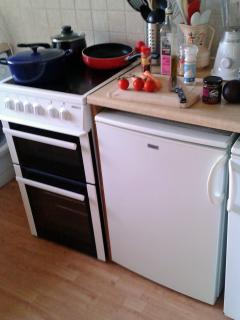 Kitchen - electric cooker