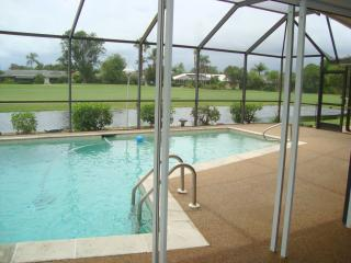 Seasonal Golf Course View Pool Home Spanish Wells, Bonita Springs