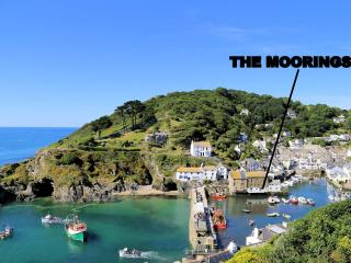 The Moorings is located overlooking the historic, picturesque harbour of Polperro