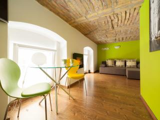 Best Location Ever! New York themed MINI-LOFT! :), Budapest
