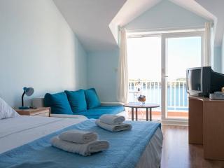 Charming sea view studio apartment 3
