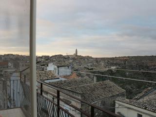Centralissima a pochi passi dai Sassi, centro storico ecc. panorama unico e suggestivo.....