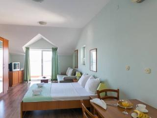 Charming sea view studio apartment, Dubrovnik