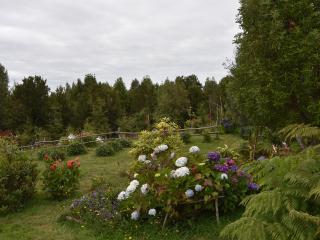 1.99 mts de jardín rodean la casa.