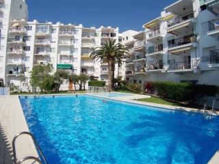Spacious:75 m2, Sunny, Super clean, Wifi and Pool., Nerja