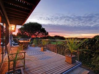 Charltom Hills Peninsula Getaway, St. Andrews Beach