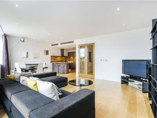 Modern Chelsea Duplex / Penthouse 2 Bed Apartment, Londres